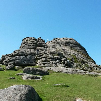 Easy Tor with Stunning Views