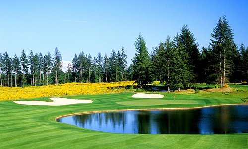 The 389-yard par-4 7th hole at The Home Course, site of the 2010 U.S. Amateur Championship (assi