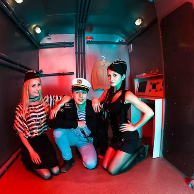 escape room, exit room. Submarine