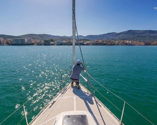 Entering port of Chios
