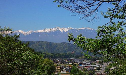 公園から見る山々がきれい