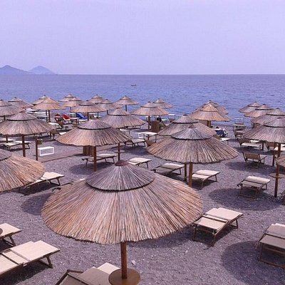 Location Coral Beach e panorama Panarea e Stromboli