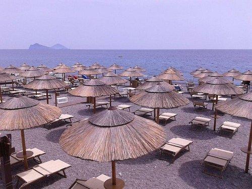 Location Coral Beach e panorama Panarea e Stromboli