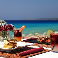 Comida frente al mar