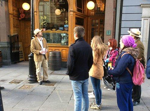 LetzGo City Tours Dublin tour guide in action