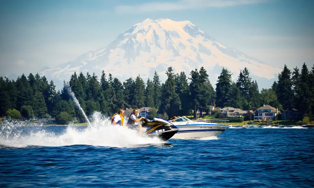 Fun on the water at American Lake [photo credit: Dean Paulson Photography]