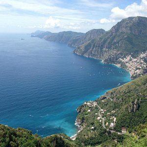 The view about 1-1.5 hours in (starting from Bomerano)