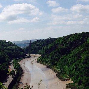 Uitzicht naar de Clifton bridge