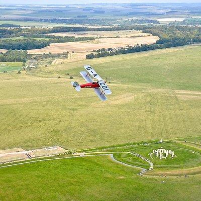 Tiger Moth Stonehenge Tour