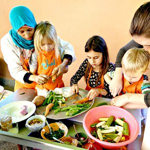 Cooking class is for families!