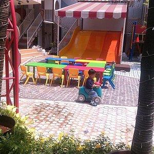 area taman bermain