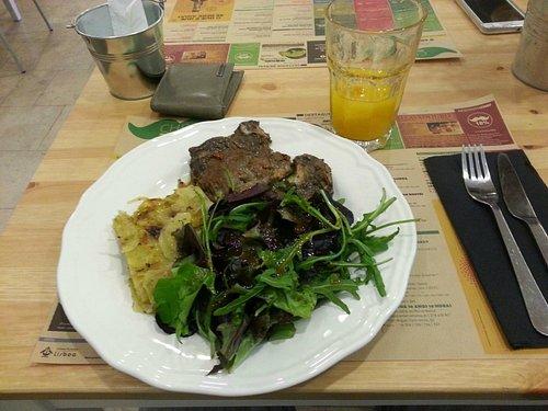 Comida do dia no Restaurante/Café da Vieira da Silva Foundation