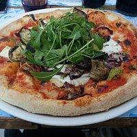 Pizza Vegetariana con mozzarella Fior di latte