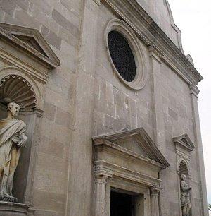 Facciata della Pieve di Santa Maria e Giuliana