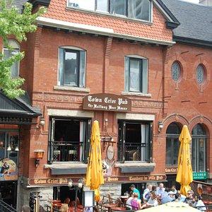 Town Crier Pub & Halfway Beer House 1