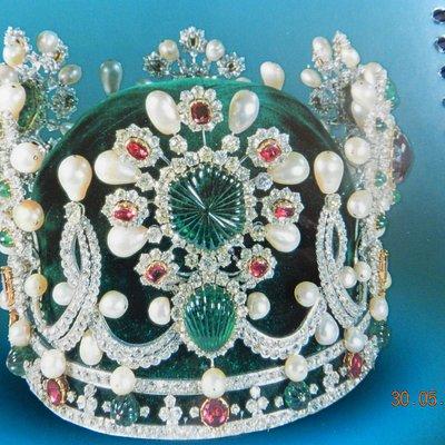 Corona di Farah Diba