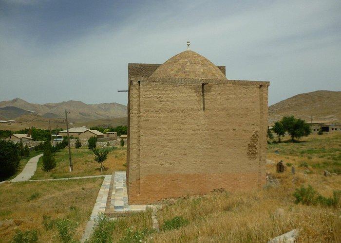 Мавзолей Араб-Ата в селении Тим