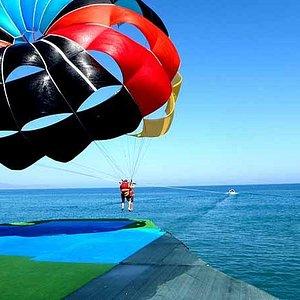 Paraflight-Parasailing greece crete platanias crete agia marina island theodorou