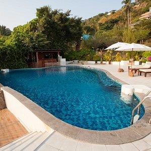 The Beachfront Swimmimg Pool at the Pinnacle Koh Tao Resort