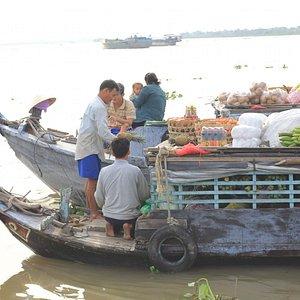 floating market cai be