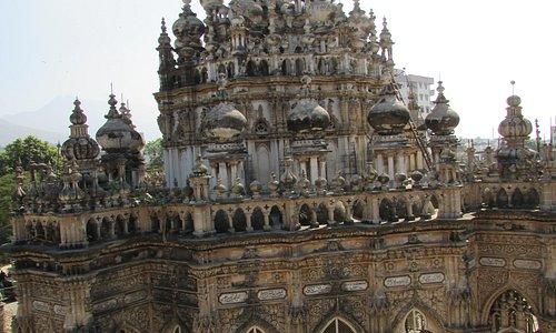 Мечеть с витыми минаретами