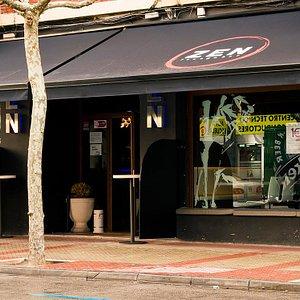 zen lounge bar.