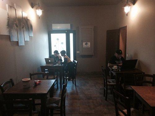 "Bar Alimentari Tabacchi "" I' Lupo"" di roberta e cosimo"