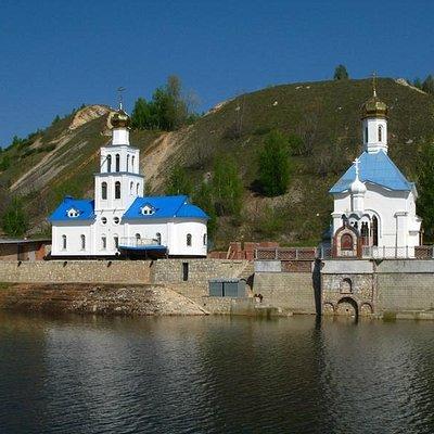 Вид со стороны церкви