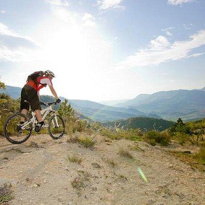 Soleil et paysages authentiques de Haute-Provence sont au rendez-vous chez Bike Access !