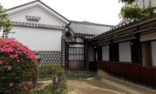 大橋家住宅 内蔵と住居(しょさい)