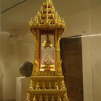 The display of Buddha relics at National Museum is very appealing.