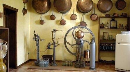 Macchina delle gassose all'interno del museo