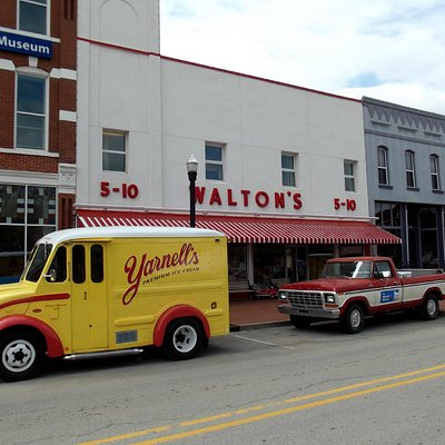 Walton's 5&10