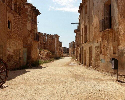 La entrada a las ruinas históricas de Belchite.