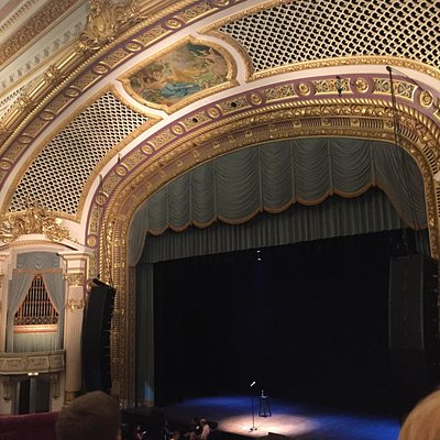 Beautiful stage set up for Seth Meyers