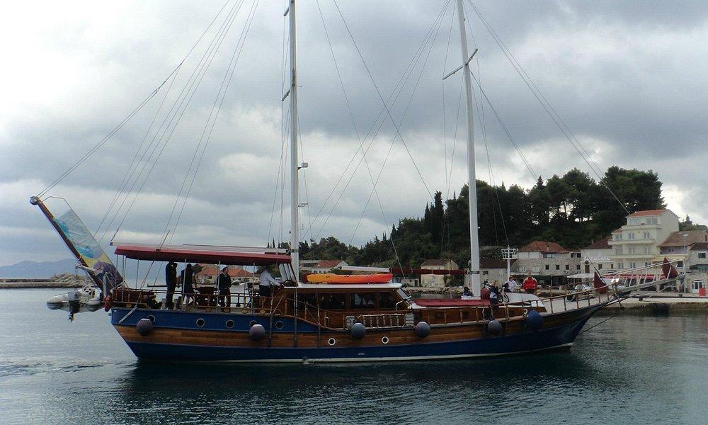 Boat at Trapanj
