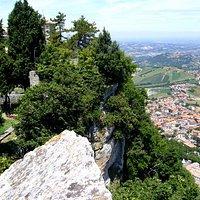 Парк San Marino на скале