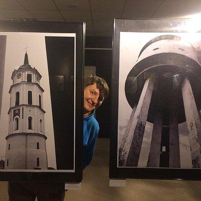 Выставка Сургутский фотовернисаж и автор самых крутых фото серии Градографика Юрий Семенков.