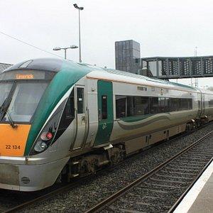 ダブリン発リムリック行の列車