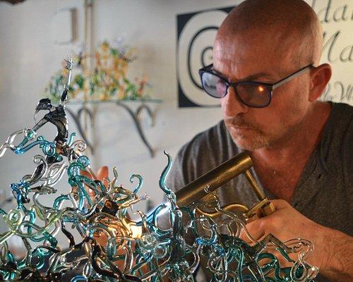 Creazioni  sculture in vetro a lume;aperte al pubblico.