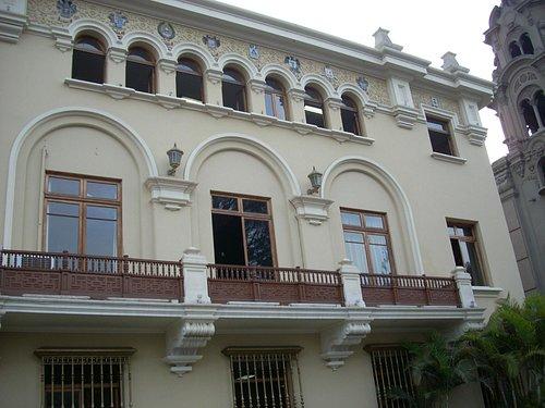Palacio Municipal sobre la Plaza