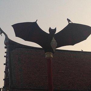 Bat lampposts