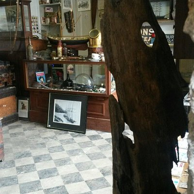 A treasure trove of  antiques  and  collectables Specialising in nautical and military artifacts