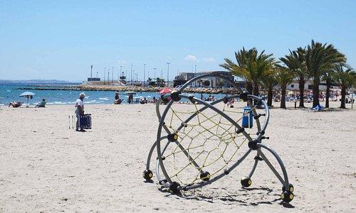 Пляж Levante в Санта-Пола в середине мая