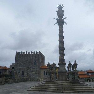 La Torre de D. Pedro Pitoes desde Terreiro da Sé