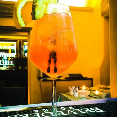 This is a fantastic Aperol Spritz ;)