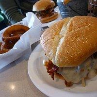 Johnny Ringo burger and sides