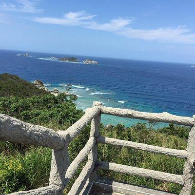 海も空も空港も綺麗です。阿嘉島へ行ったらぜひ展望台に行ってみてください。お薦めです。