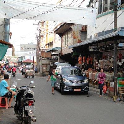 Jalan menuju Pasar Kota Tanjung Pinang