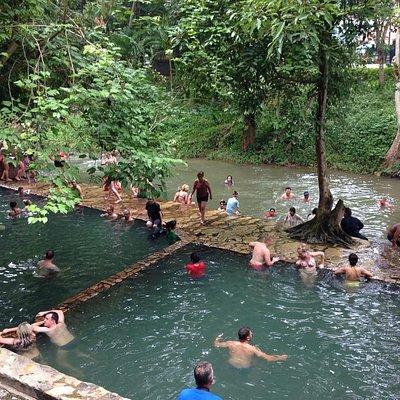 温泉と水浴び、両方が楽しめます